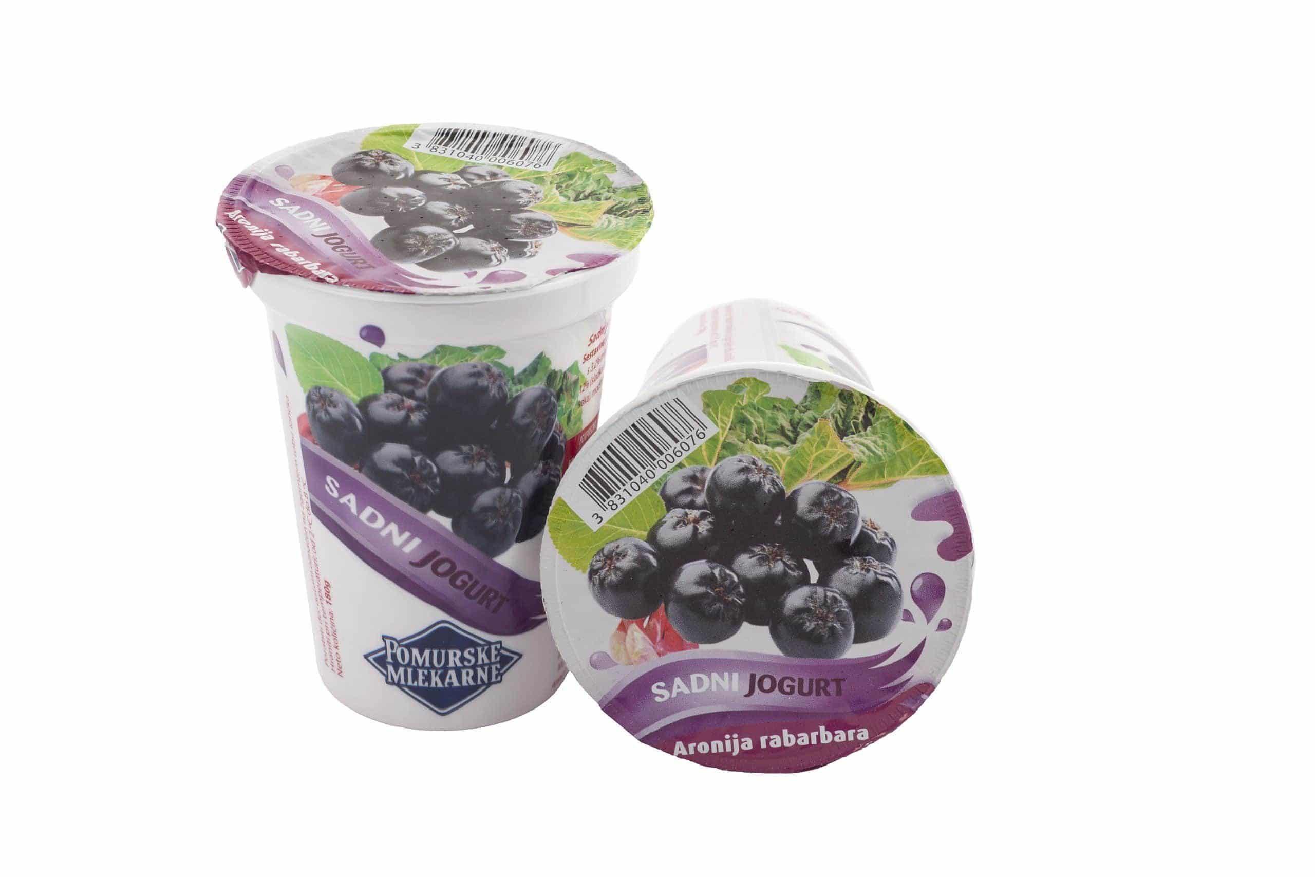 Sadno zelenjavni jogurt aronija rabarbara